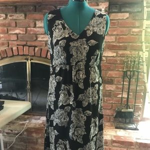 Croft & Barrow fully lined black floral dress, 16